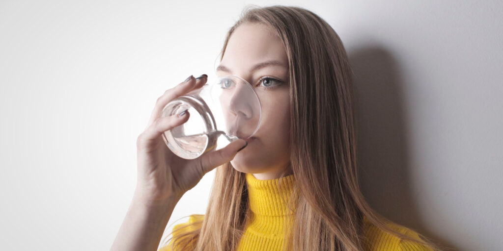 when to drink a water
